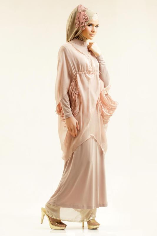 Image result for لباس  پوشیده پوست سبزه